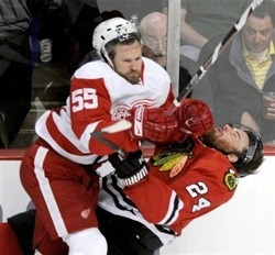 kronwall_lays_out_havlat_large1.jpg